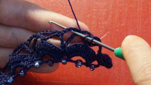 Kette mit eingehäkelten Perlen (59)